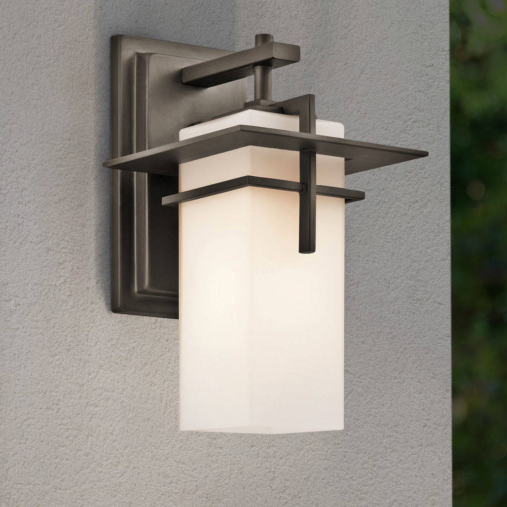 The 5 Best Solar Outdoor Wall Lights In 2021